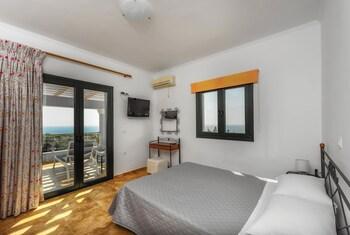 Alonaki Apartments