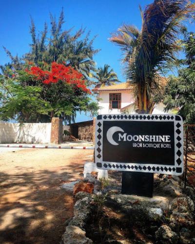 MOONSHINE UROA BOUTIQUE HOTEL
