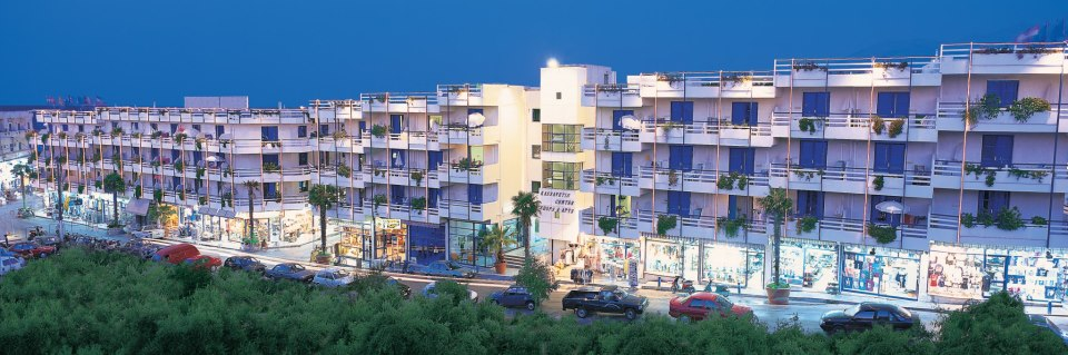 Kassavetis Center – Hotel Studios & Apartments