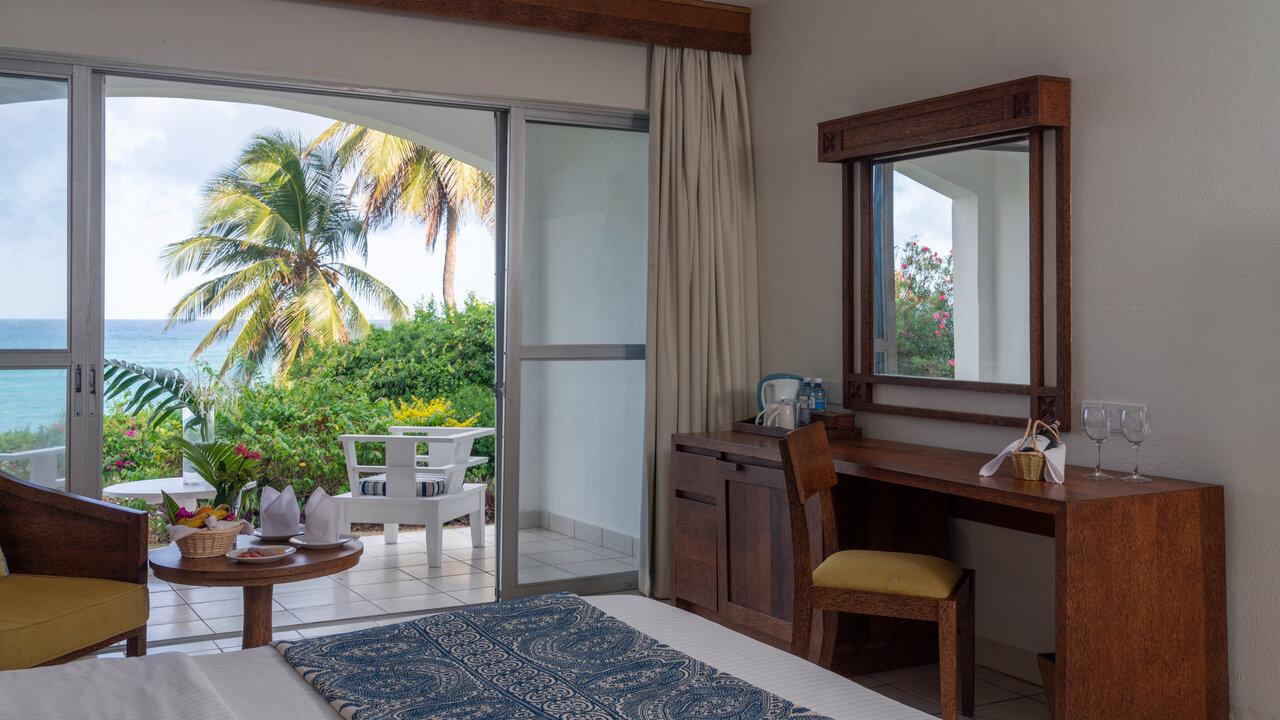 Leisure Lodge Beach & Golf Resort .