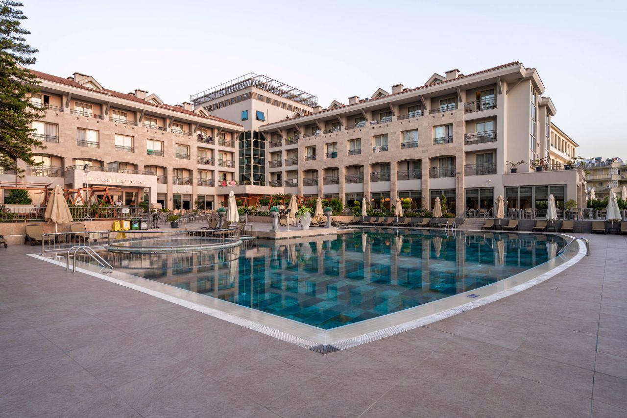 FAME BEACH HOTEL (EX RESIDENCE)