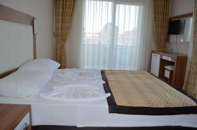 Mitos Suit & Hotel