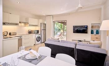 Bon Azur Beachfront Villa & Penthouses