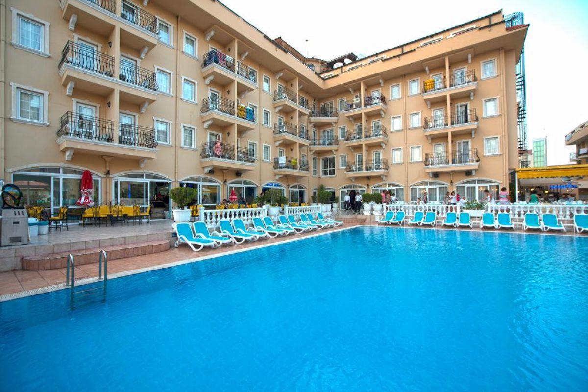SINATRA HOTEL