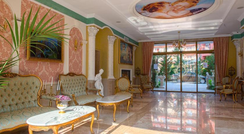 Venera & Anastasia Palace Apartments