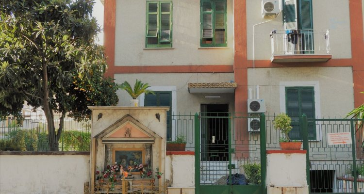 Naples Experience Backpackers Hostel