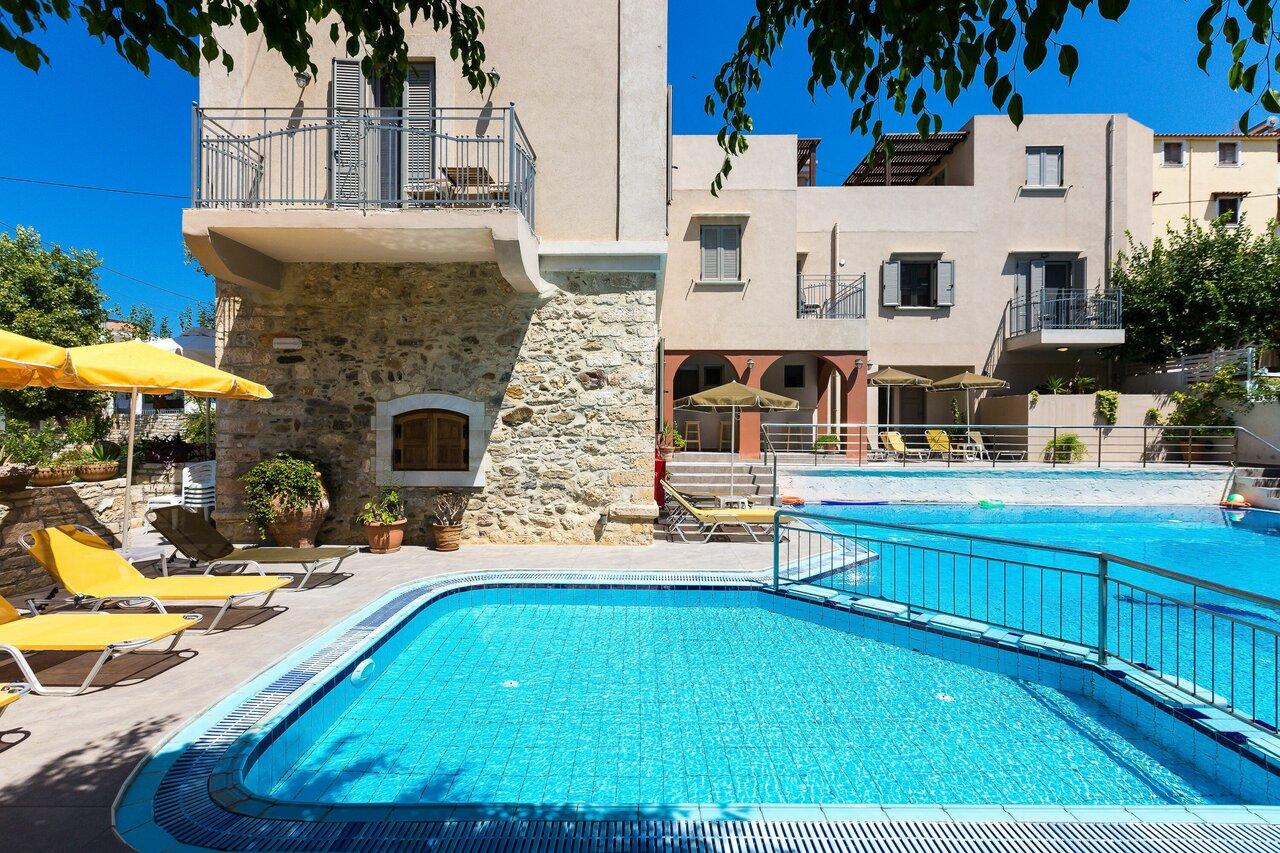 Philoxenia Apartments