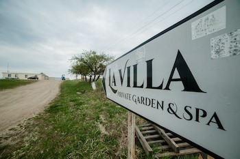 La Villa Hill Resort