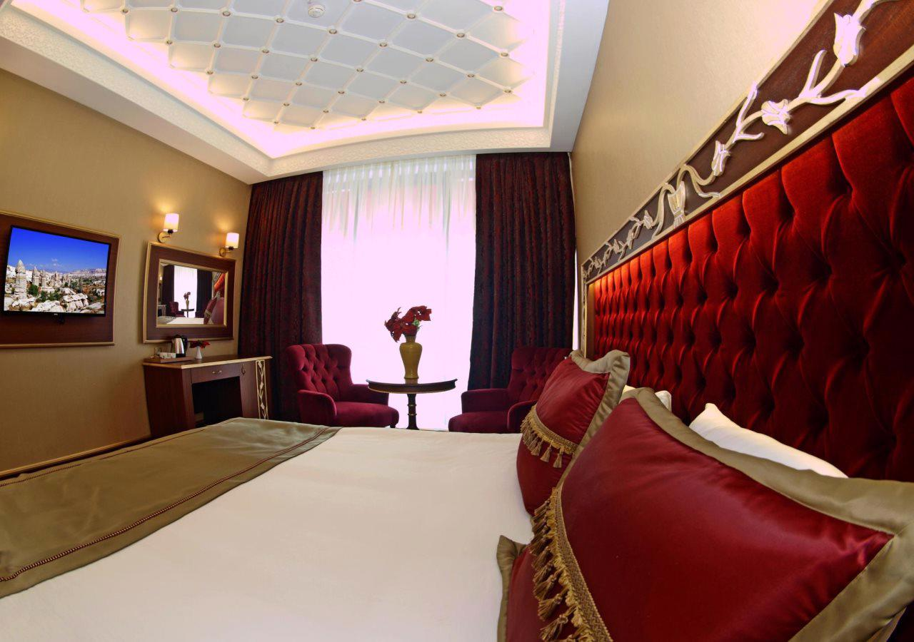 MB Deluxe Hotel