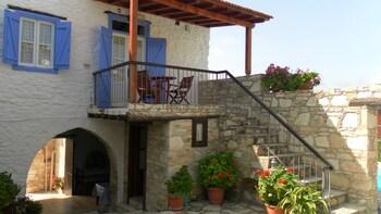 Traditional Village Houses Skarinou