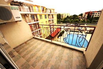 Sunny Day 2 Menada Apartments