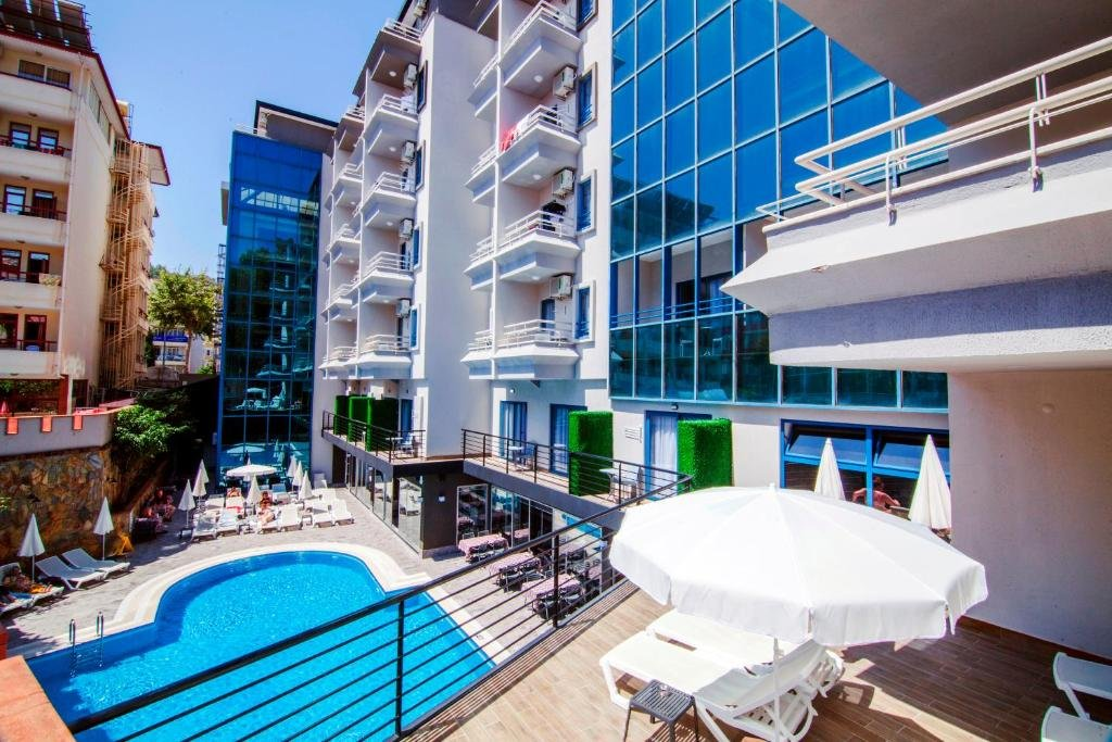 RAMIRA CITY HOTEL (ADULTS ONLY)