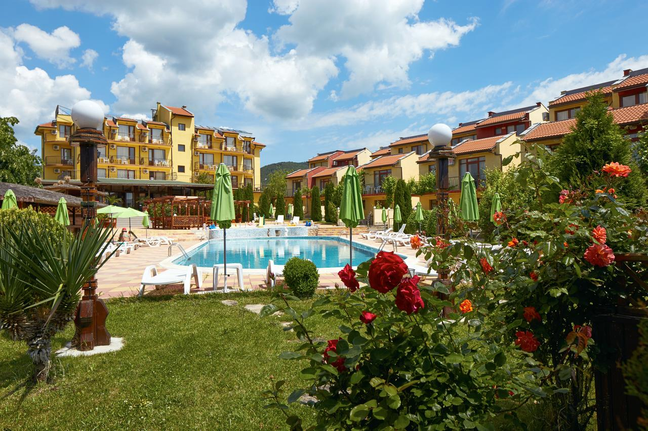 YALTA VILLAGE RESORT