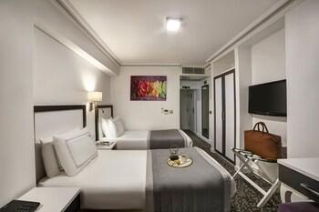 Skalion Hotel