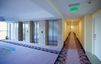 Atrium By The Blaxy - All Inclusive