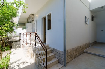 Apartments And Rooms Barisic