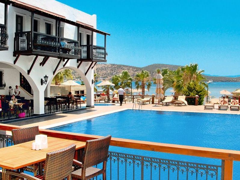 COSTA BITEZHAN BEACH HOTEL