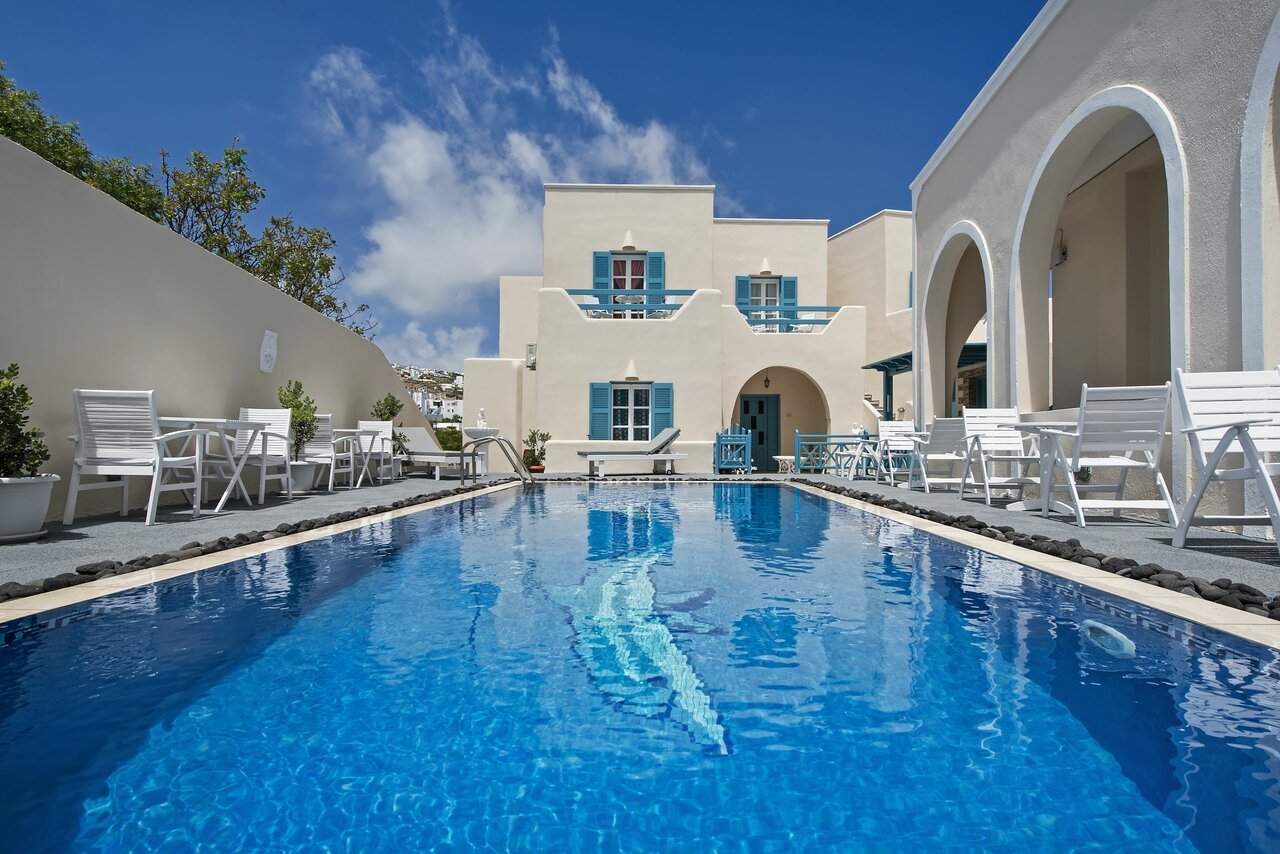 Alizea Villas And Suites