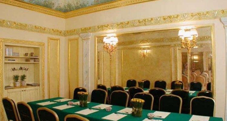 Champagne Palace Hotel