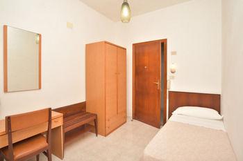 Maronti Hotel