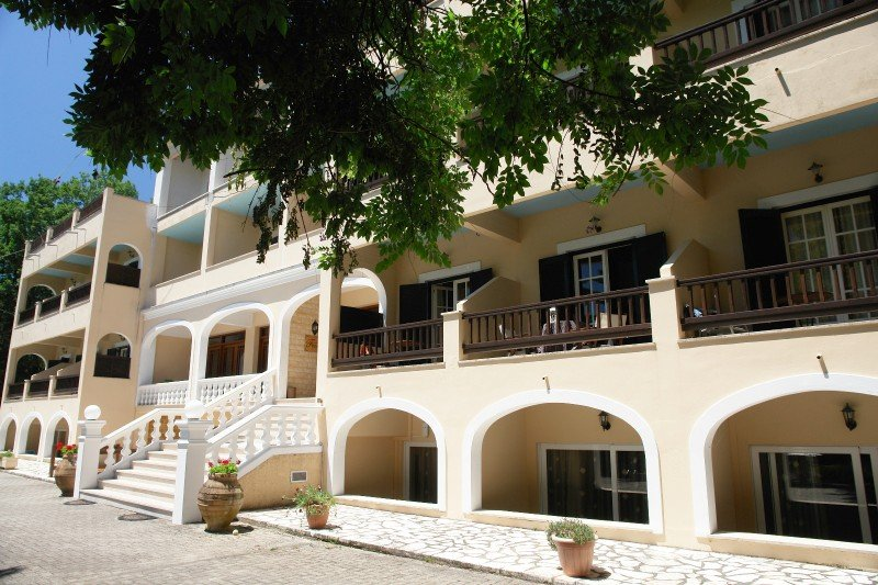 Fiori Hotel (Tzavros - Gouvia)