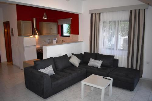 Christina Studios And Apartments
