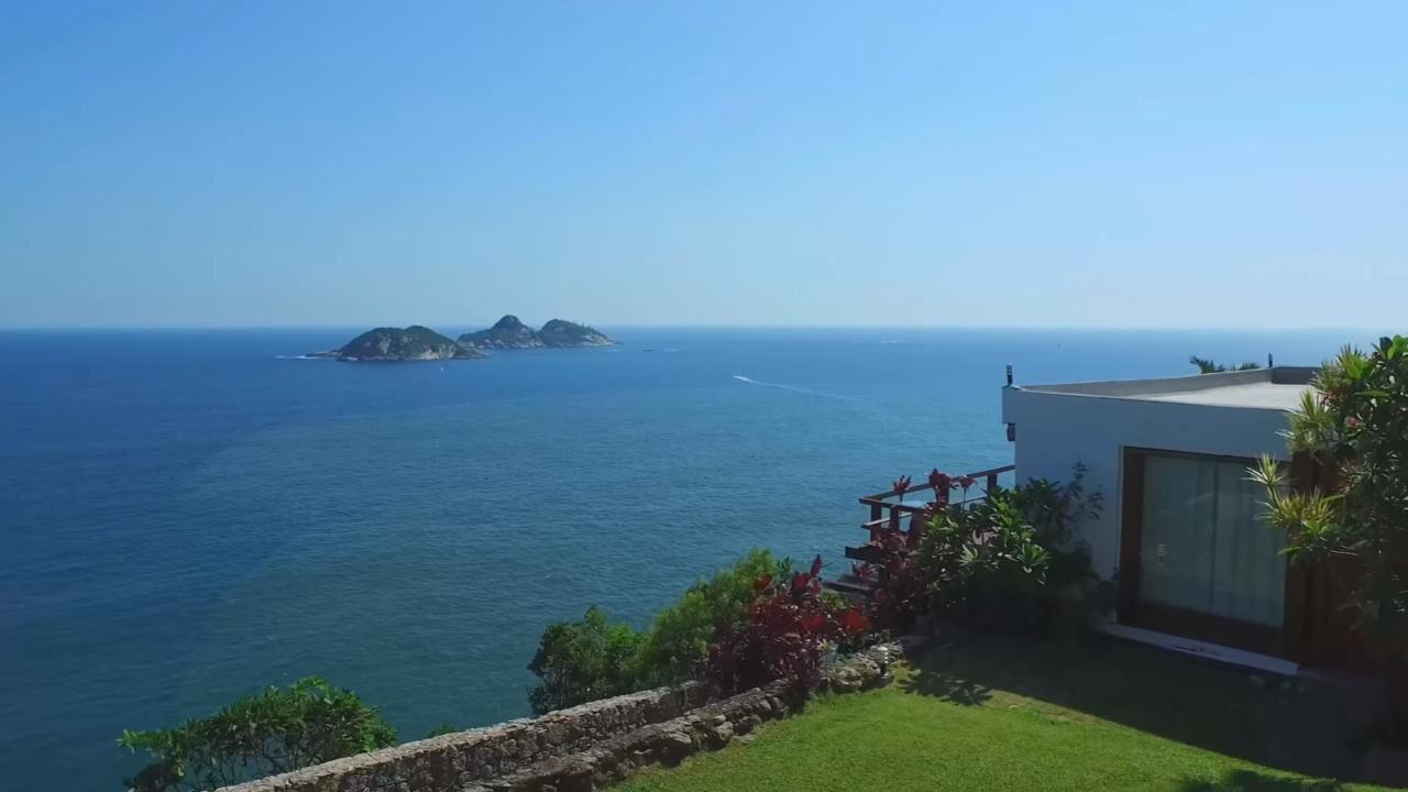 Cliffside Guest House And Experience