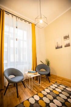 Mathe Apartments 3