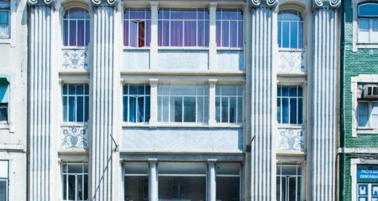Golden Tram 242 Lisbonne Hostel