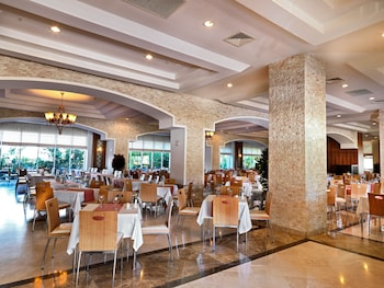 Crystal Kemer Deluxe Resort And Spa