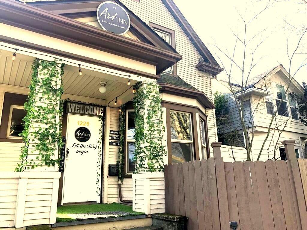 The Art Inn Seattle