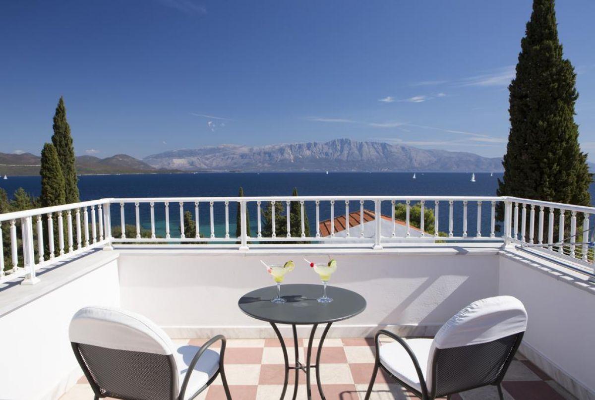 Porto Galini Seaside Resort & Spa