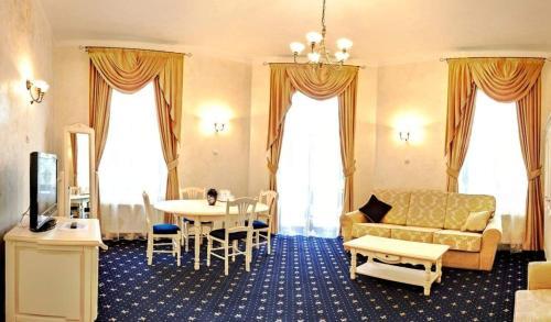 Hotel Carol - Vatra Dornei