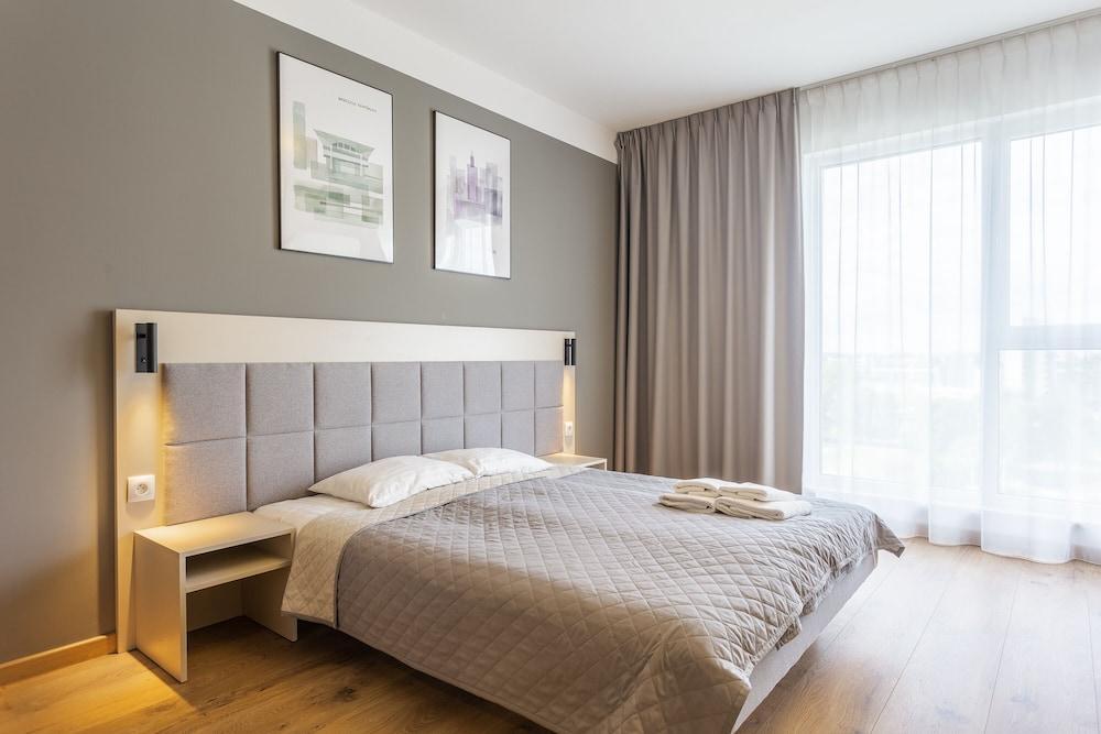 Rentplanet  Apartamenty Wolska