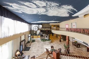 Days Thunderbird Beach Resort