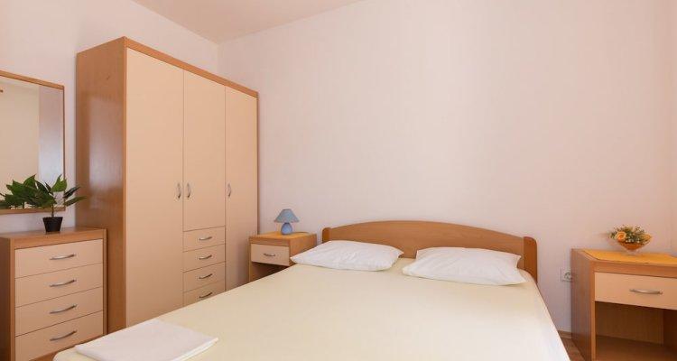 Apartment & Rooms Papa