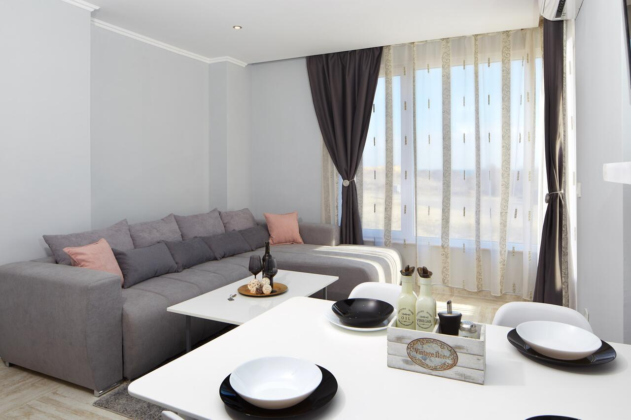 Niko's Sea View Apartments Deluxe