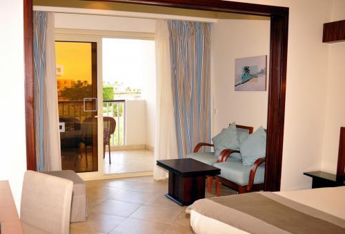 Sunrise Mamlouk Palace Resort