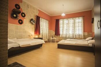 Serdika Rooms