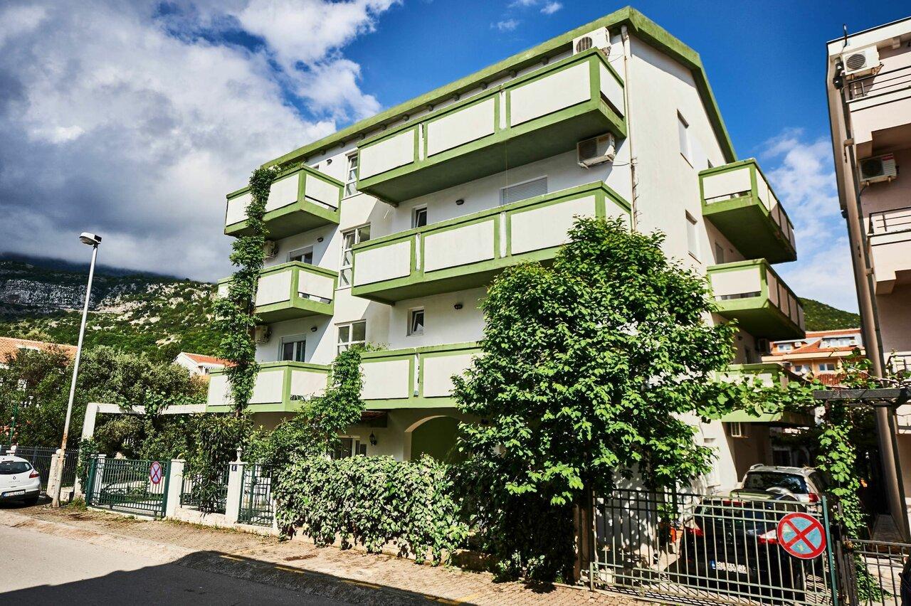 Apartments Mont