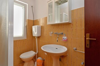 Apartment 1660