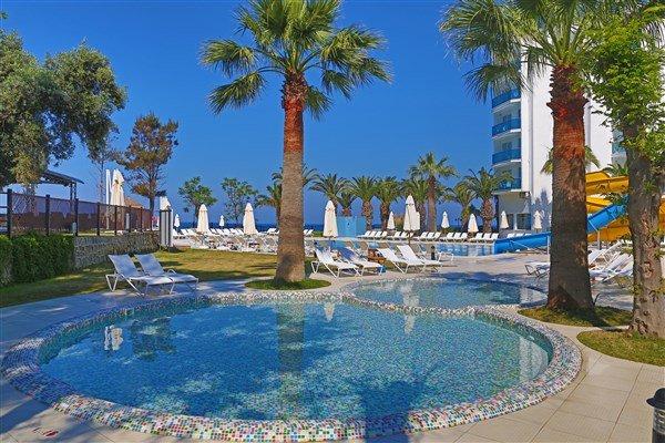 Le Bleu Hotel  Resort
