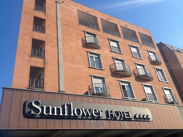 Hotel Sunflower