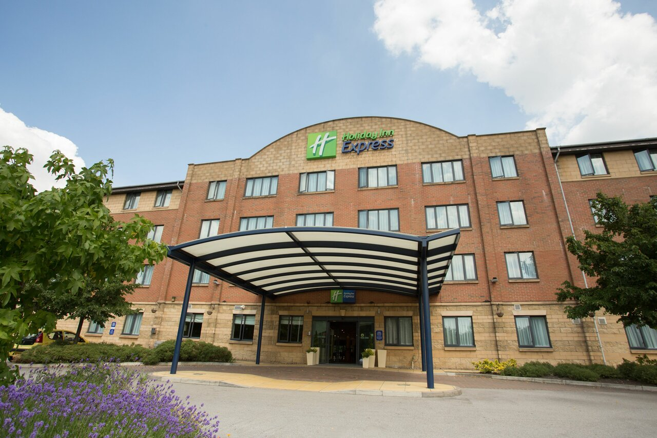 Holiday Inn Express Knowsley M57,  Jct4