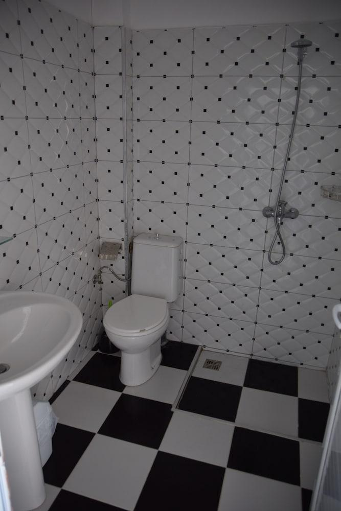 Rojela Rooms