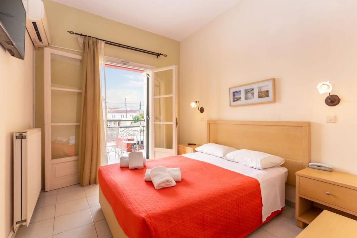 OMIROS HOTEL