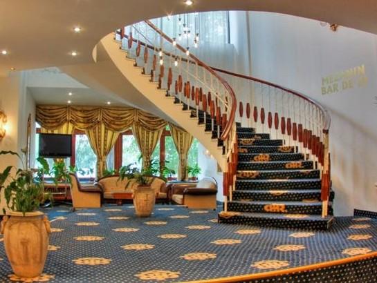 Hotel Cetate
