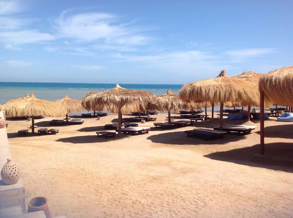 CAVES BEACH RESORT - AL AHYAA, HURGADA