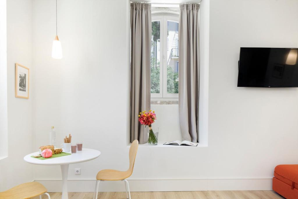 Lisbon Serviced Apartments Ascensor Da Bica
