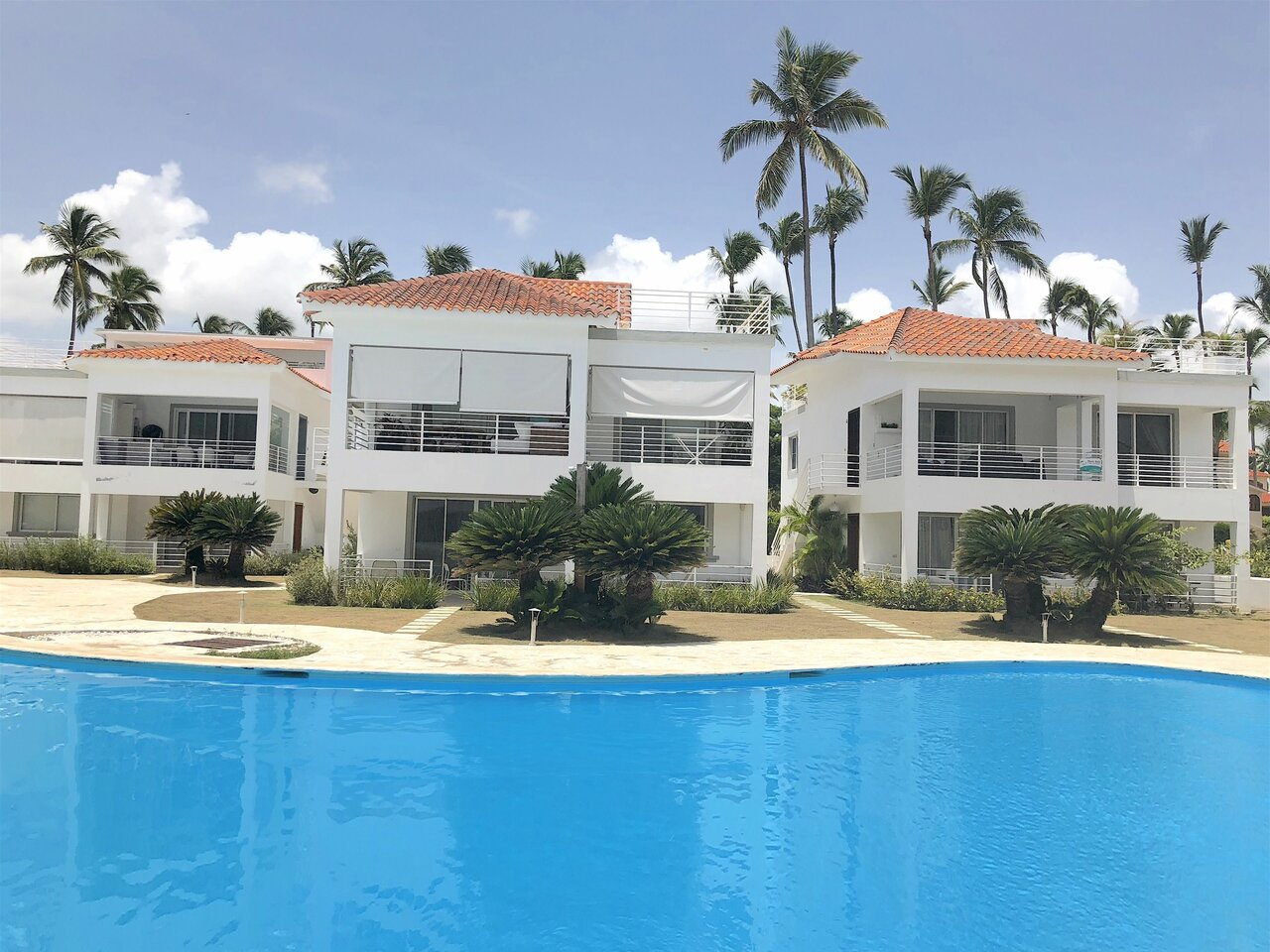 Las Terrazas Vip Pool Beach Club And Spa